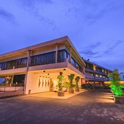 هتل the tourmaline